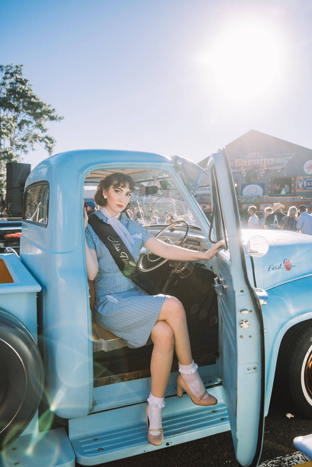 Pinup - Light Blue Car